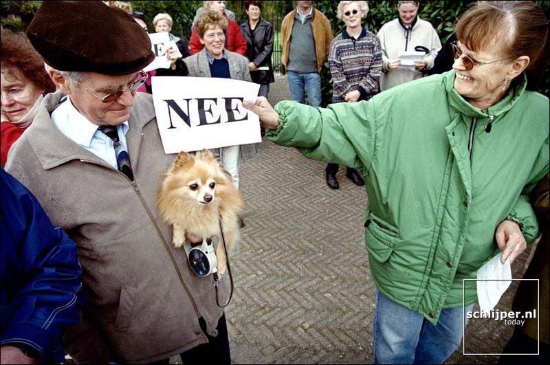 Nederland, Geulle aan de Maas, 24 april 2001.