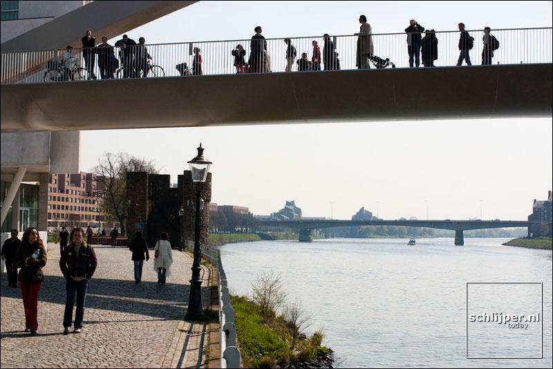 Nederland, Maastricht, 12 april 2004