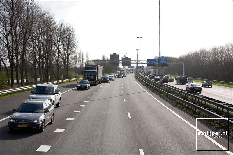 Nederland, Zoeterwoude-Rijndijk, 3 april