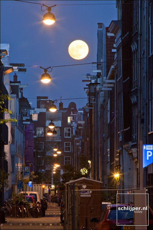 Nederland, Amsterdam, 8 mei 2009