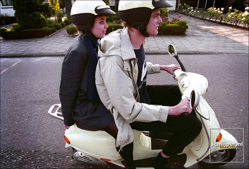 Josine & Jorrit, Amsterdam Noord, 17/07/99.