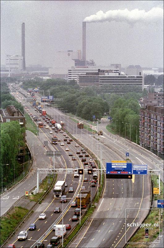 Nederland, Amsterdam, 28 mei 2001.