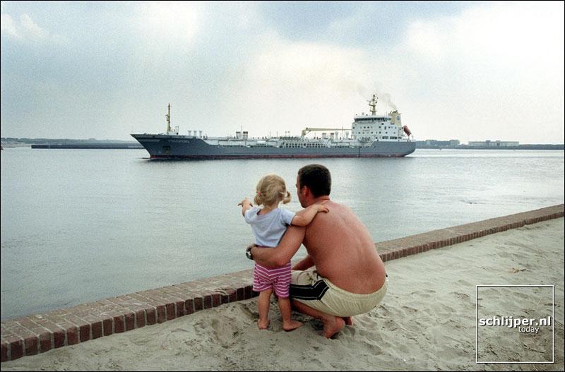 Nederland, Velsen, 21 augustus 2001.