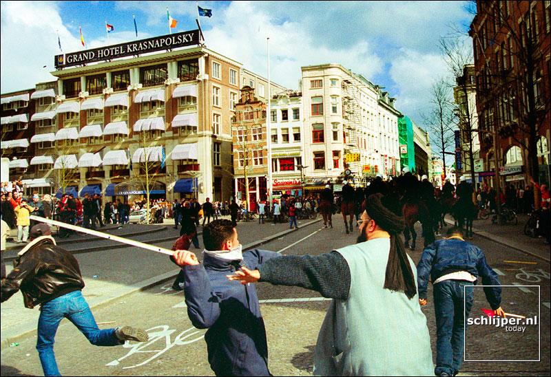 Nederland, Amsterdam, 13 april 2002