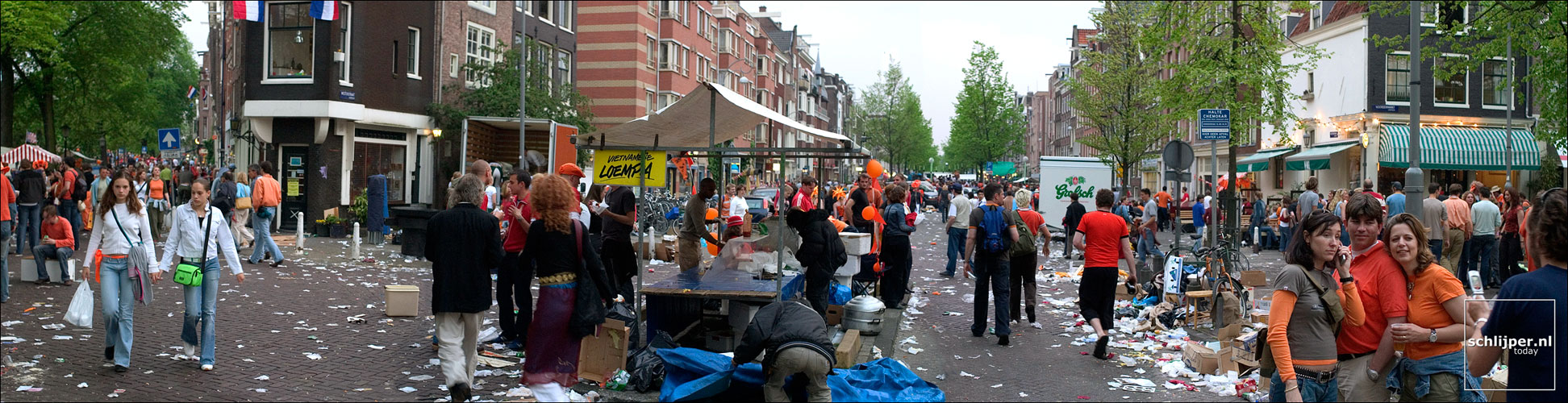 Nederland, Amsterdam, 30 april 2004