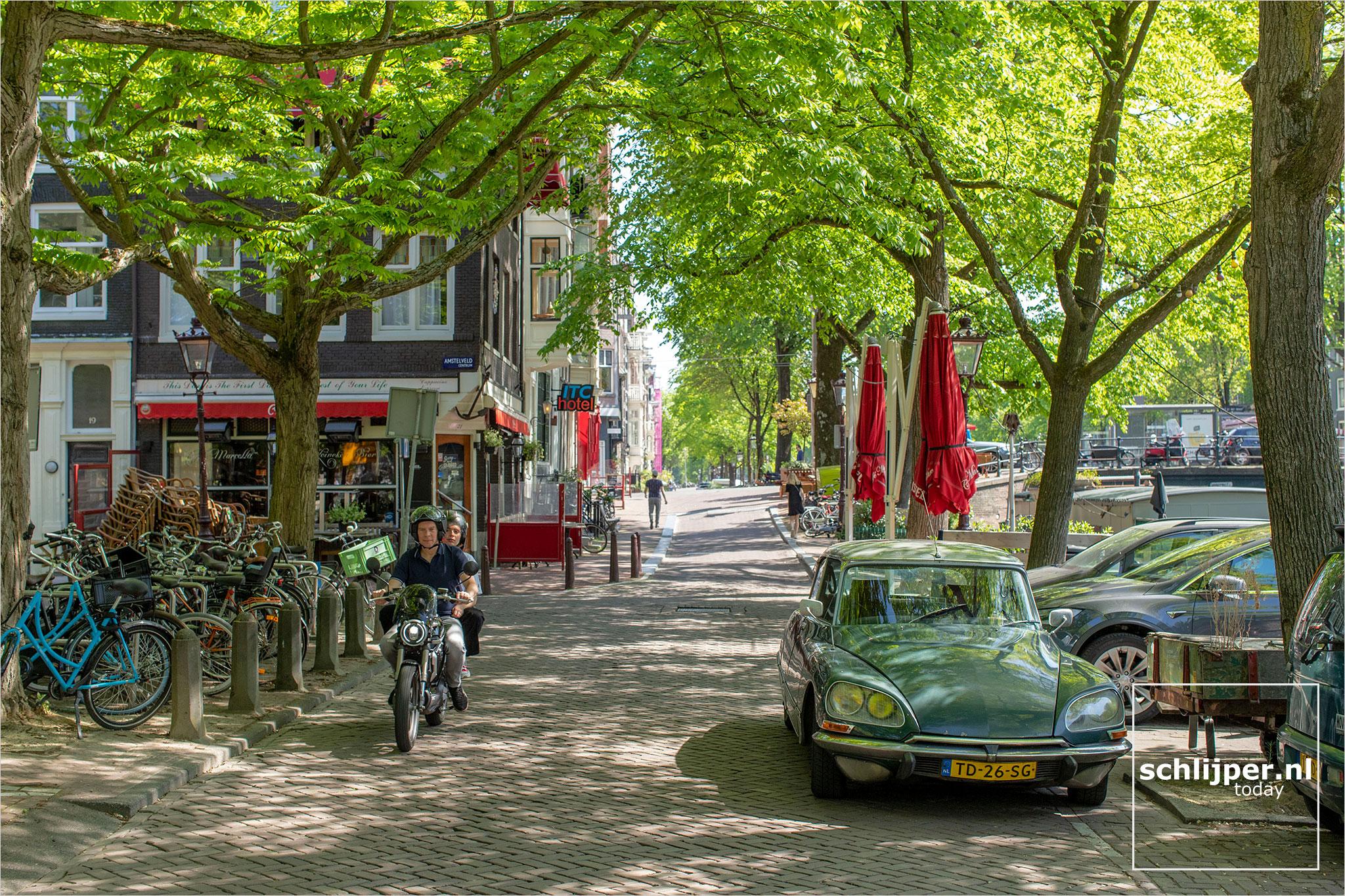 Nederland, Amsterdam, 9 mei 2020